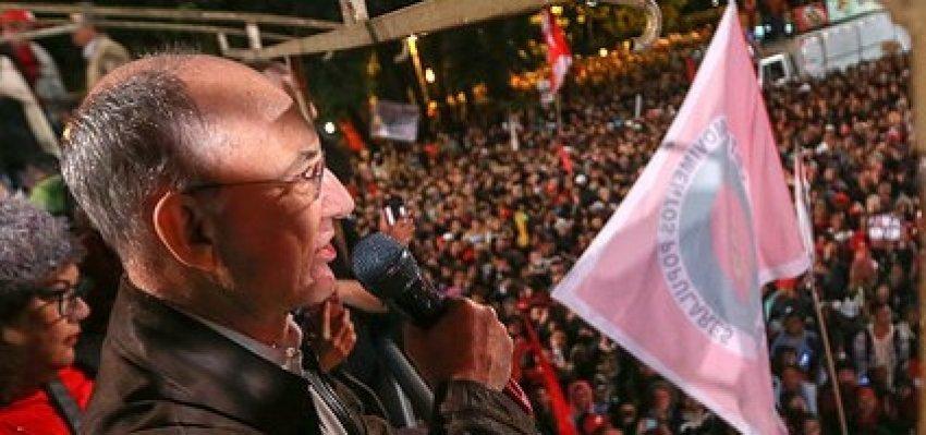 Rui Falcão: Governo usurpador, um mês de retrocessos