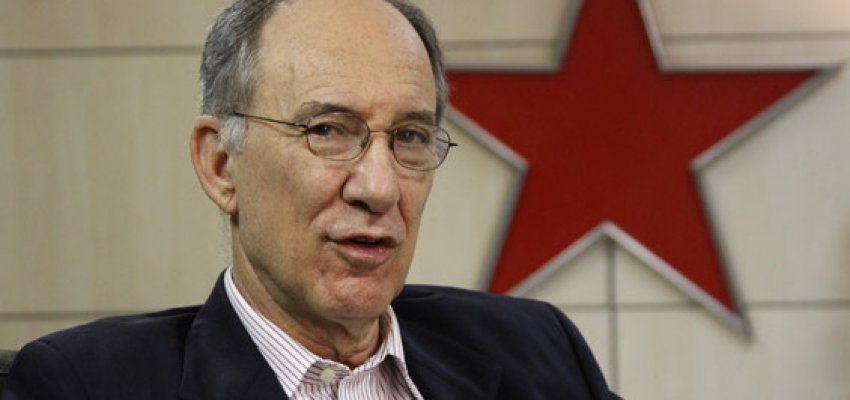 Rui Falcão: Militância petista está convocada para deter o golpe