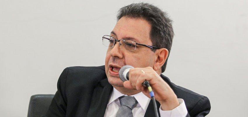 A condução coercitiva do jornalista Eduardo Guimarães fere o direito constitucional à liberdade e garantia da informação