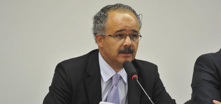 Vicente Cândido: É preciso mudar o sistema político no país
