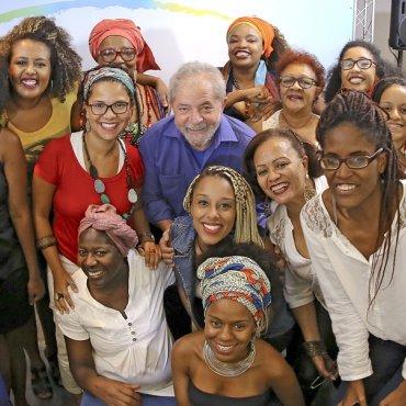 Representantes do Movimento Negro manifestam solidariedade a Lula