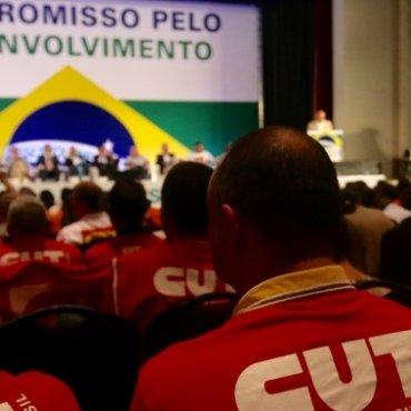 Trabalhadores e patrões firmam compromisso para o desenvolvimento nacional