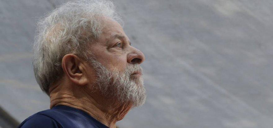 Lula é condenado a 12 anos 11 meses de prisão no caso