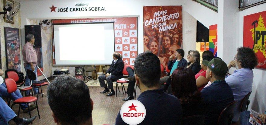 Plenária de Jorge Roque discute estratégias da campanha