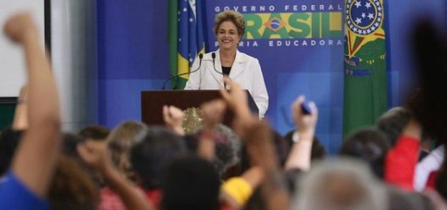 Ficou claro que existem dois chefes do golpe, afirma Dilma
