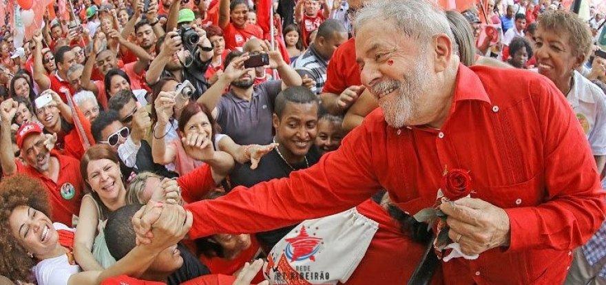 Lula vence eleição em 2018 em todos os cenários, diz pesquisa
