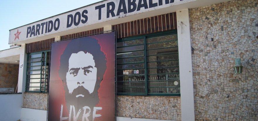 Ataque fascista ao PT de Ribeirão Preto