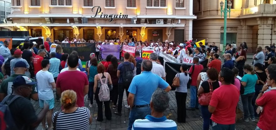 Bolsonaro traz o povo de luta de volta à Esplanada