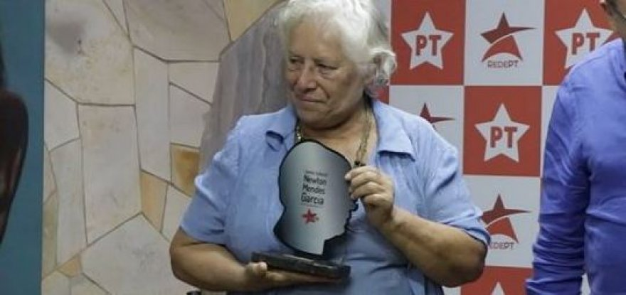 Elsa Rossi é homenageada com troféu Newton Mendes Garcia