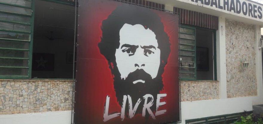 Intensificar a campanha por Lula Livre