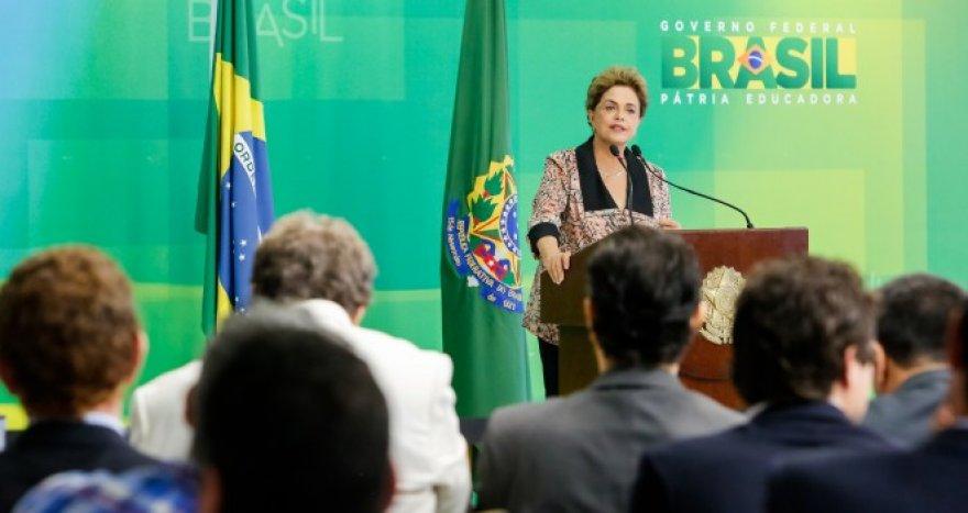 Mídia internacional denuncia golpe em curso no Brasil