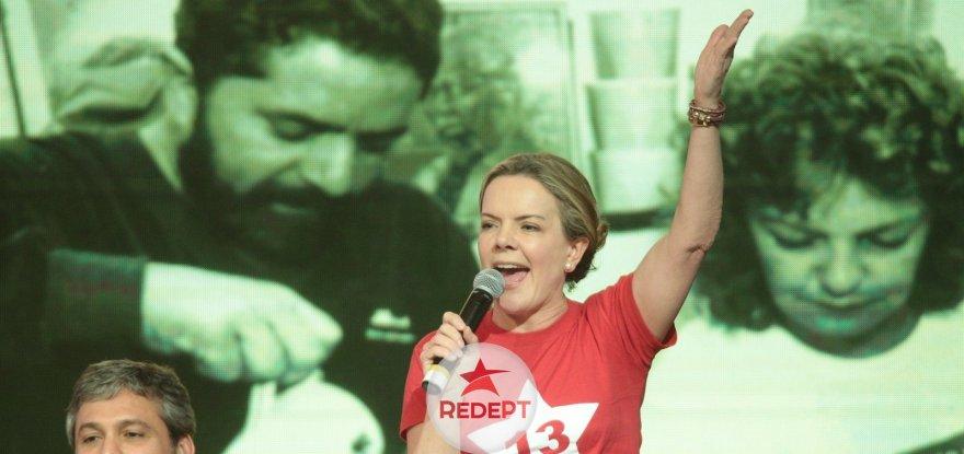 Gleisi é eleita a primeira mulher presidenta nacional do PT