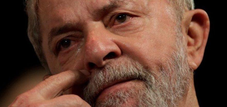 """Lula """"devia ser proibido um pai enterrar um filho, um avô enterrar um neto"""""""