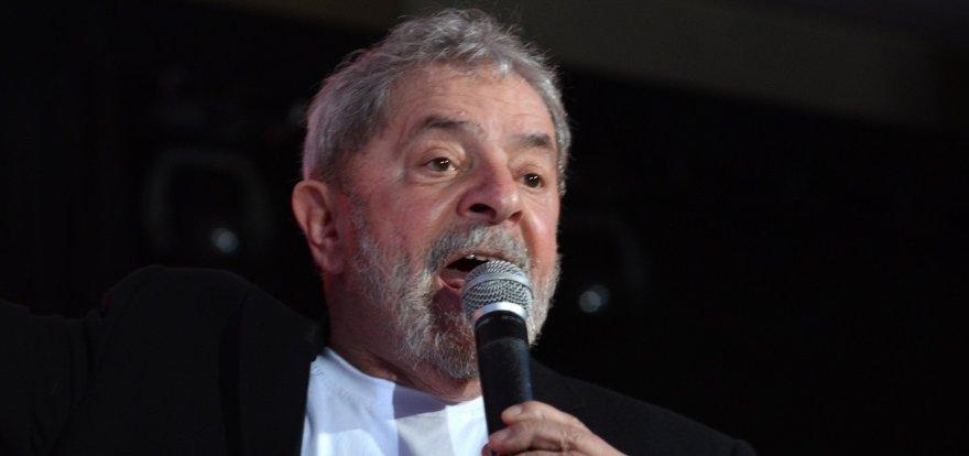 """Lula denuncia apuração tendenciosa de """"Época"""""""