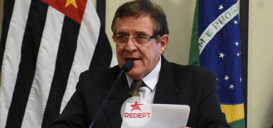 Vereador Dr. Jorge Parada defende servidores municipais