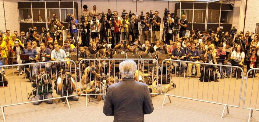 Emir Sader: Em seis meses, o Brasil ficou menor, injusto, menos democrático e irrelevante
