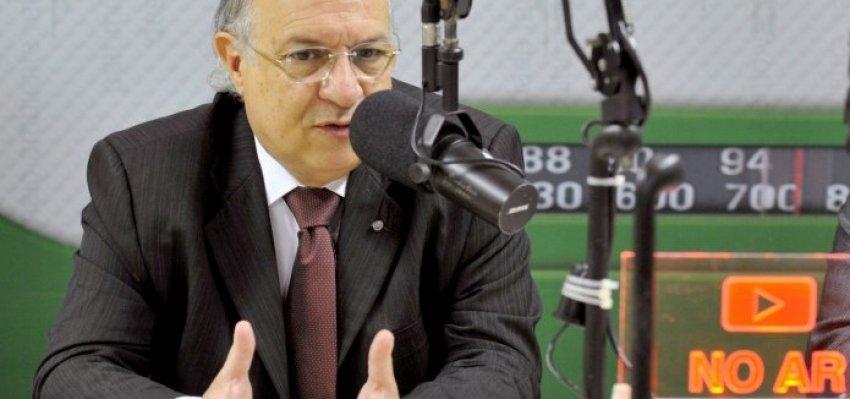 Denúncia de propina contra FHC vai sumir em três dias, diz Vannuchi