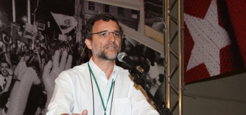 Valter Pomar: Lula deve assumir a presidência nacional do PT?
