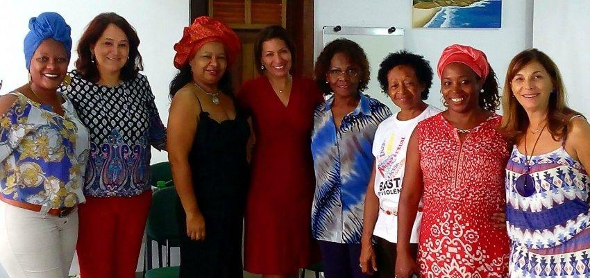 Mulheres negras assinam manifesto pela democracia e contra o golpe