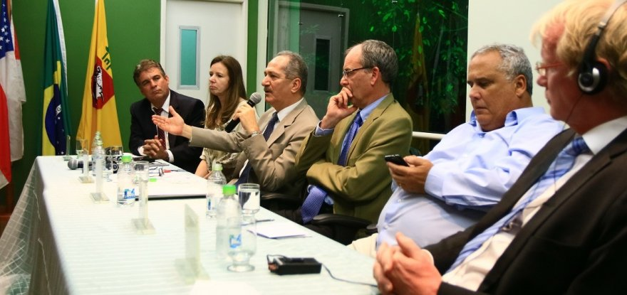 Brasil e Alemanha inauguram torre de pesquisa na Amazônia
