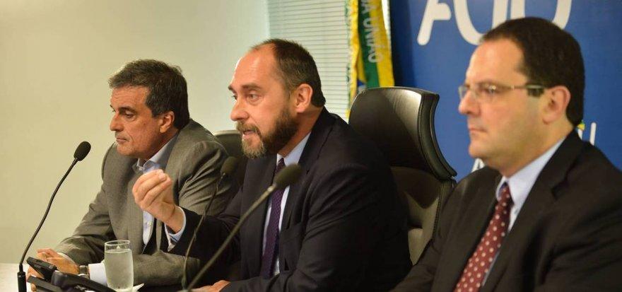 Governo pedirá afastamento de relator de contas no TCU