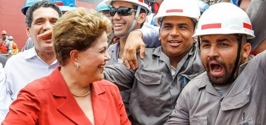 Programa lançado por Dilma protege trabalhador e desonera patrão