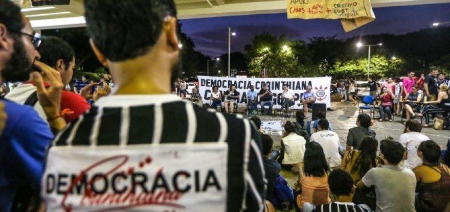 Figuras históricas da Democracia Corintiana se unem contra o golpe