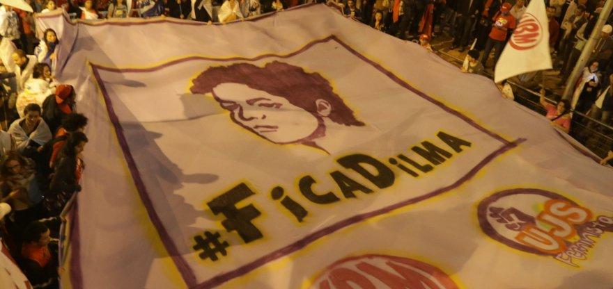 Brasileiros reforçam, nas ruas, que não aceitarão golpe contra a democracia