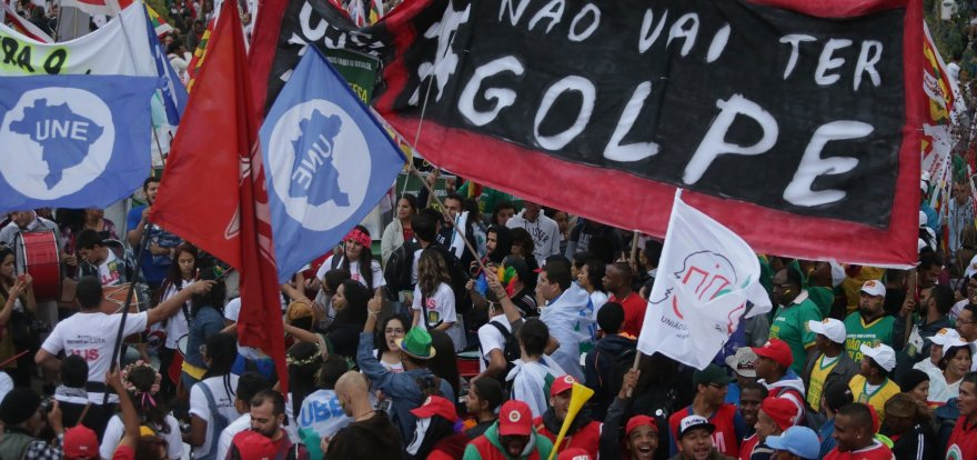 Em São Paulo, 60 mil pessoas vão às ruas pela democracia