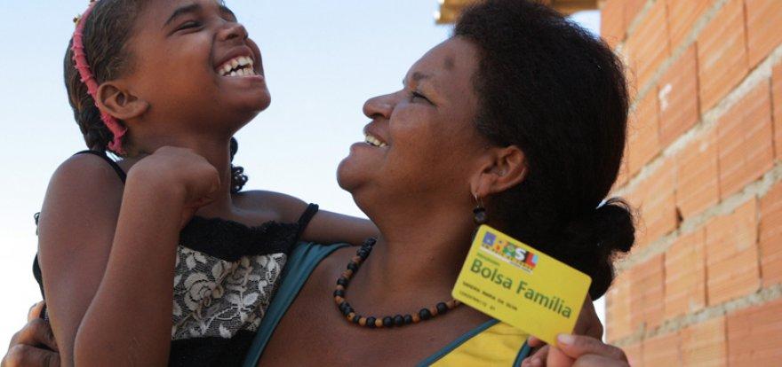 Mais de 14 milhões de beneficiários do Bolsa Família frequentam a escola