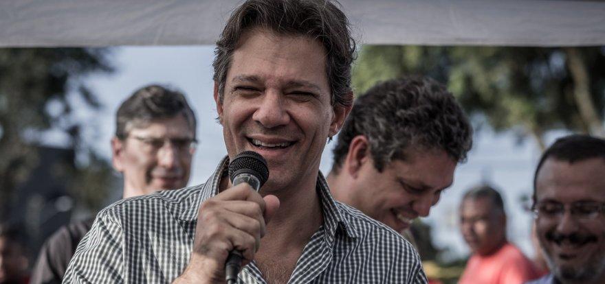 A desordem no governo Bolsonaro, a falta de projeto de país e a suspeição do Moro. Haddad, hoje, na live do Machado