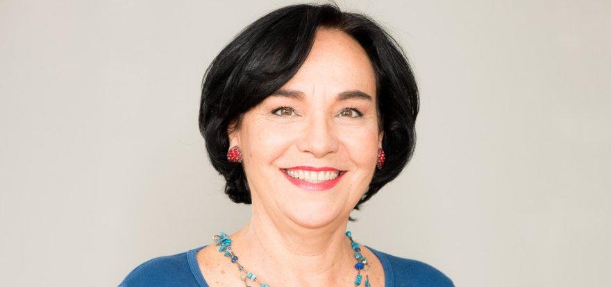 Márcia Lia recebe diplomação para novo mandato na Alesp