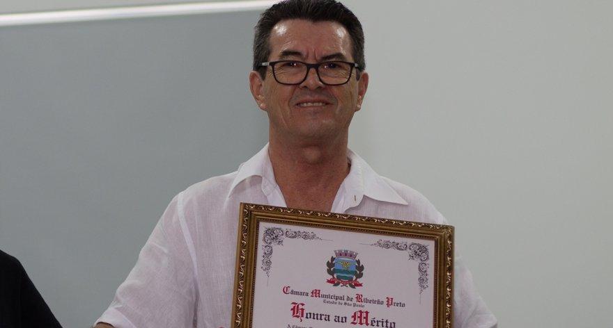 Pedro Jesus Sampaio recebe diploma de Honra ao Mérito