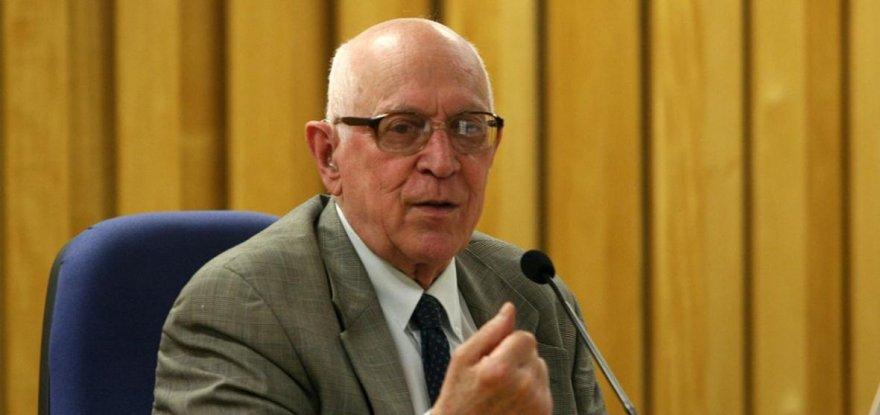 Dalmo Dallari: postura de Gilmar Mendes é falsamente moralista e nula juridicamente