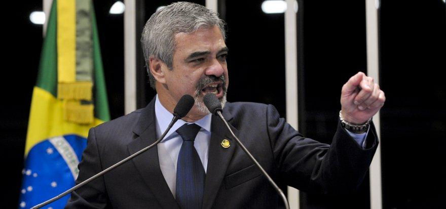 Foi uma missão equivocada do começo ao fim, diz petista sobre ida de senadores à Venezuela